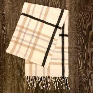 100% cashmere luxury scarf